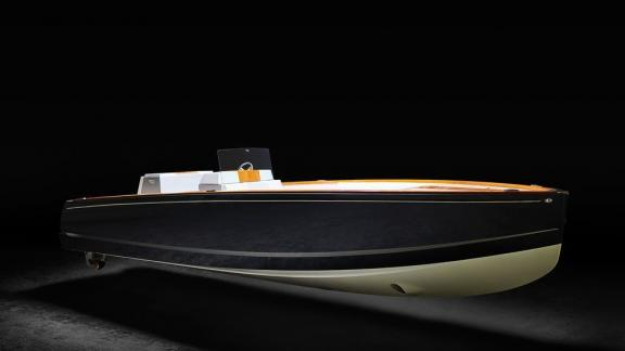 Hinckley Yachts launches all-electric runabout.